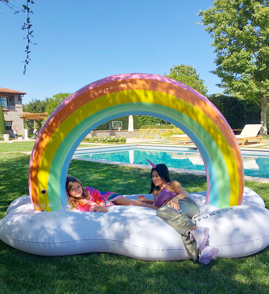 kourtney-kardashian-penelope-rainbow-float-brthday