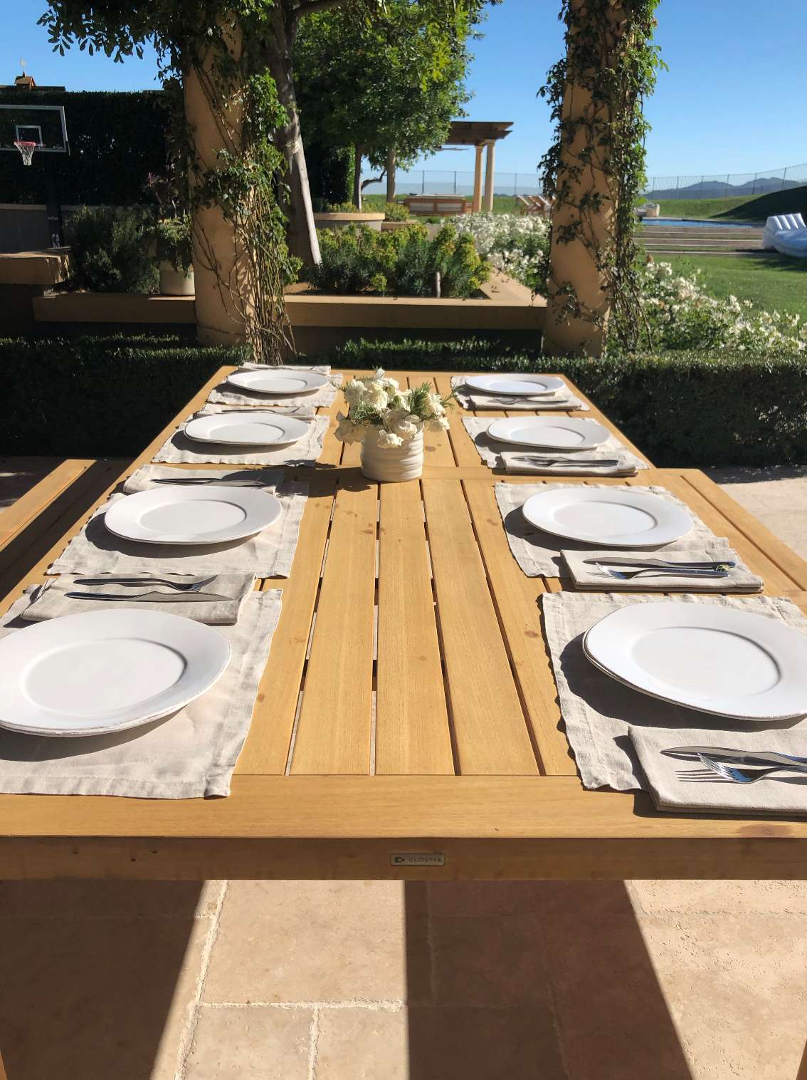 kourtney kardashian's backyard table setting