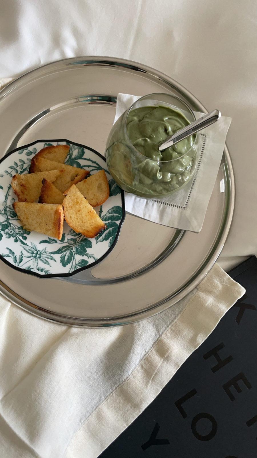 kourtney kardashian avocado shake and bread on tray