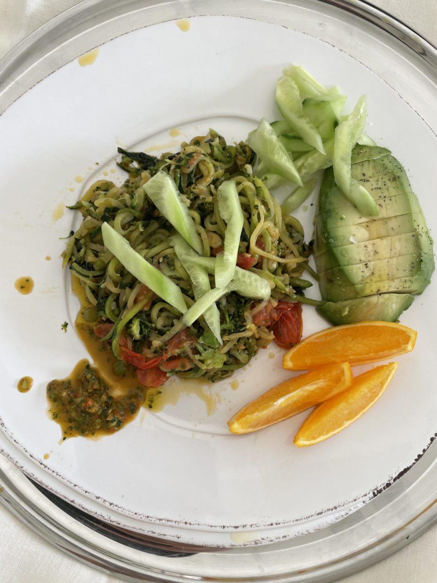 kourtney kardashian zoodle lunch