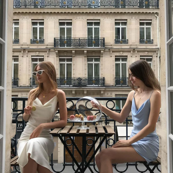 Cultural Nuances of French Friendship