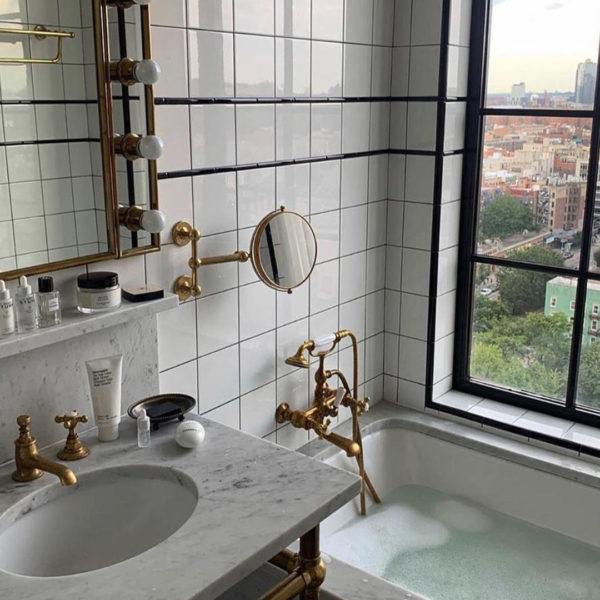 The 10 Things Every Adult Should Have in Their Bathroom