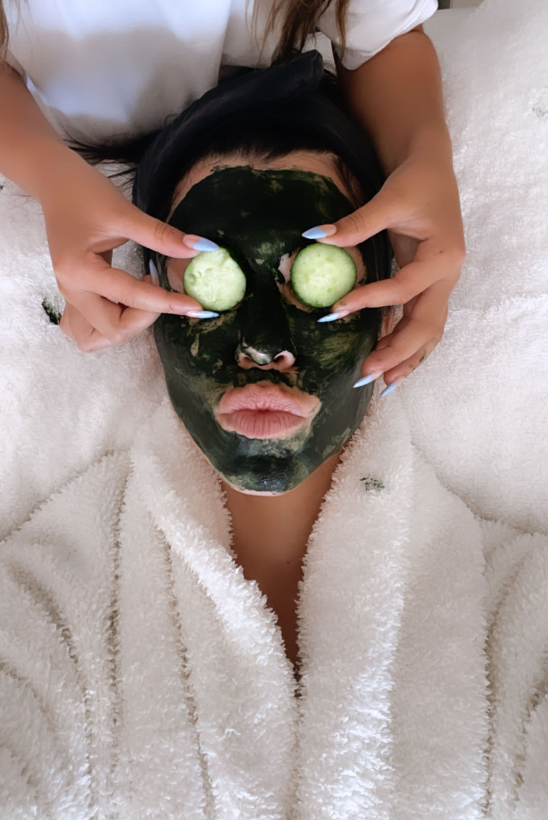 <em>Face Masks to</em> MAINTAIN YOUR GLOW THIS SUMMER