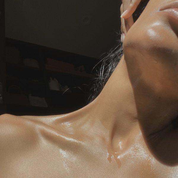 Hacks to Define Your Collarbone